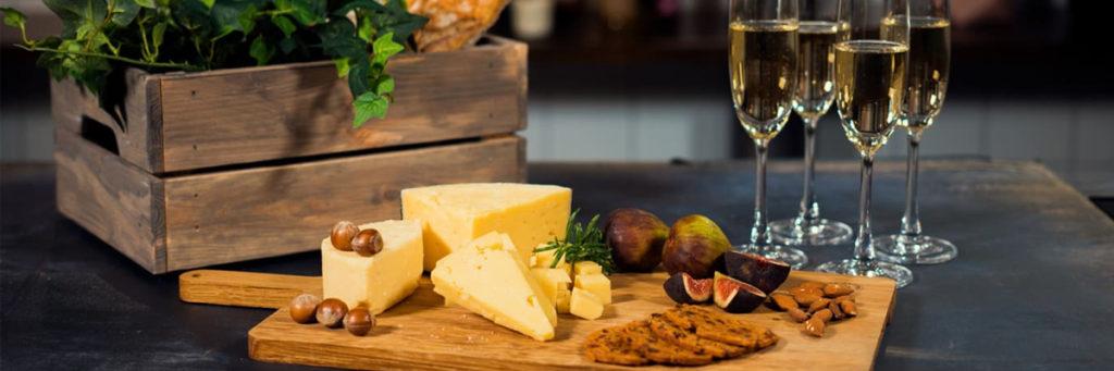 Ostskolan: Champagne och ost till nyår