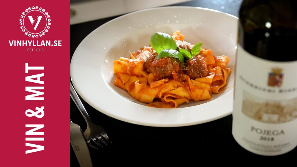 Roberto Vacchi lagar italienska köttbullar i tomatsås med pappardelle
